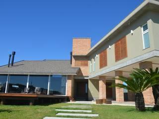 Residência M & M Casas modernas por Rosane Leitzke Arquitetura Moderno