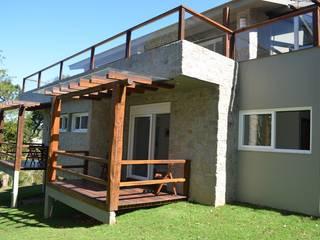 Residência C & C Casas rústicas por Rosane Leitzke Arquitetura Rústico