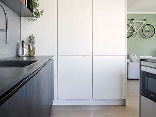 Appartamento T Cucina moderna di locatelli pepato Moderno