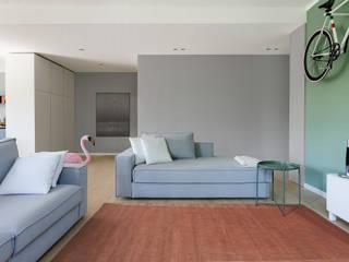 Appartamento T Soggiorno moderno di locatelli pepato Moderno