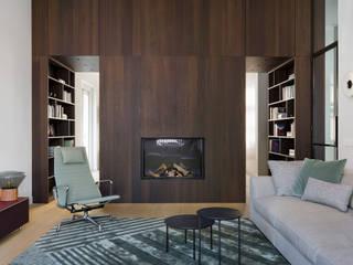 Klassieke grandeur in een modern jasje Moderne woonkamers van Sigrid van Kleef & René van der Leest - Studio Ruim Modern