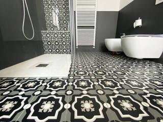 Ванная комната в стиле модерн от Architetto Luigi Pizzuti Модерн