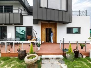 원하는 공간을 모두 담아낸 전원주택 by 한글주택(주) 모던