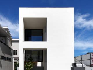 モダンデザイン長寿命なZEH ゼロエネルギー住宅 モダンな 家 の 一級建築士事務所 Kenso Architects モダン