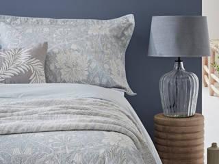 Morris & Co Bedroom Styled for Bedeck Bedding Alice Margiotta Chambre minimaliste Bleu