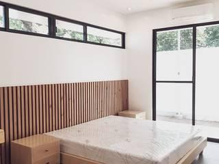 STA.MARIA RESIDENTIAL RESORT Minimalist bedroom by ezpaze design+build Minimalist