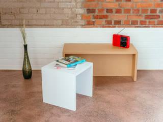 Becky Bench – ein starker Hocker aus Pappe für 2 PAPERCOMB - Novidi GmbH SchlafzimmerNachttische Papier Weiß