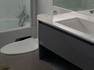 Modern style bathrooms by Constructora CYB Spa Modern