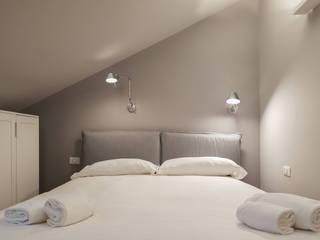 Bongio Valentina モダンスタイルの寝室