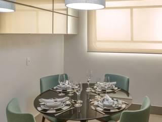 Apartamento nos Jardins, São Paulo Vinicius Moska - fotografia e produção artística Cozinhas modernas