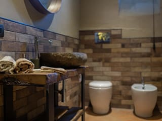 Progettazione e restyling dei bagni - 01 Bagno minimalista di Ciesse Srl Minimalista