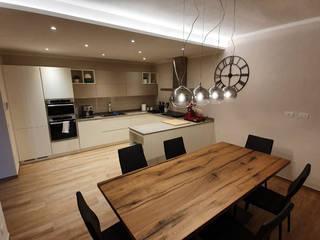 Progettazione e restyling interni casa - 04 di Ciesse Srl Moderno