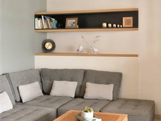 Aménagement d'appartement neuf Tiffany FAYOLLE Salon moderne