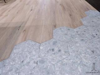 Коридор, прихожая и лестница в стиле лофт от 沙瑪室內裝修有限公司 Лофт