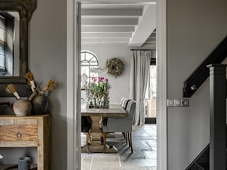 Country style corridor, hallway& stairs by Pure & Original Country