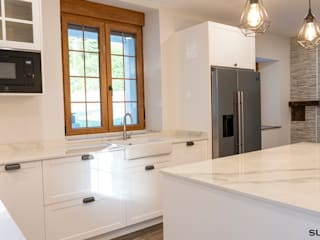 Rustic style kitchen by Suarco Rustic