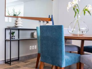 Salle à manger moderne par Soma & Croma Moderne
