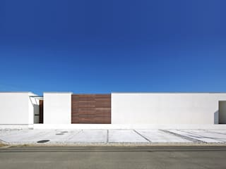 Casas modernas por 空間建築-傳 Moderno