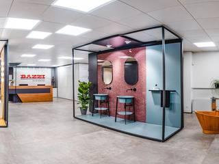 Showroom Bazzi – Art & Solutions Spazi commerciali moderni di Bazzi – Art & Solutions Moderno
