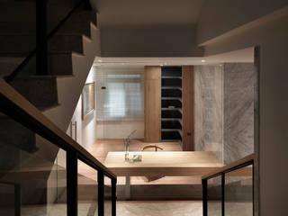 Modern study/office by 夏沐森山設計整合 Modern