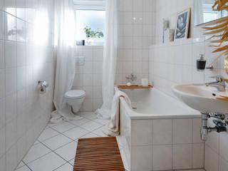 Baños de estilo moderno de Cornelia Augustin Home Staging Moderno