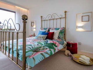 Eclectic style bedroom by Cornelia Augustin Home Staging Eclectic
