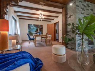 Salas de estilo ecléctico de Cornelia Augustin Home Staging Ecléctico