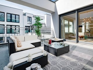 Modern balcony, veranda & terrace by Cornelia Augustin Home Staging Modern