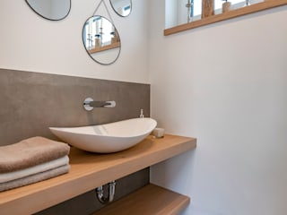 Industrial style bathroom by Cornelia Augustin Home Staging Industrial