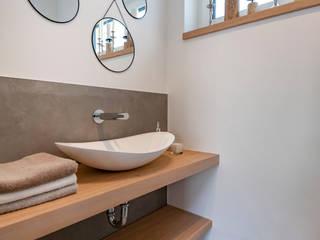 Baños de estilo industrial de Cornelia Augustin Home Staging Industrial