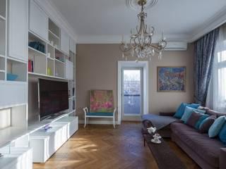 Апартаменты на улице Покровка Гостиная в классическом стиле от STUDIO 57 Классический