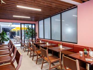 Motín Solvar Gastronomía de estilo moderno Madera Acabado en madera