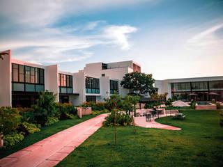 ARCADIA Casas modernas de Studio 360 Moderno
