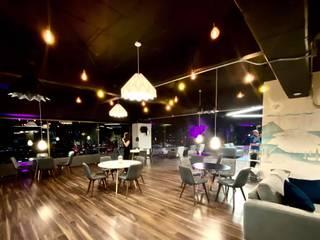 MT-GI STRATEGIC SERVICES オフィススペース&店 エンジニアリングウッド 黒色