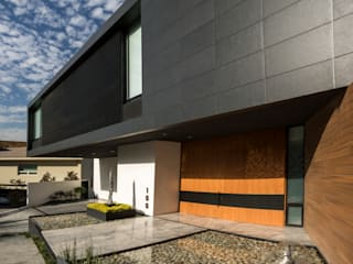 GLR Arquitectos Single family home Black