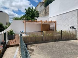 Madeiraviva, Lda Modern terrace Wood Wood effect