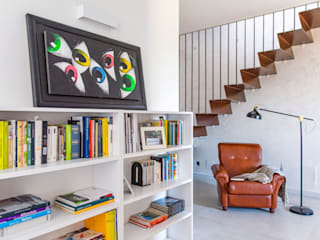 antonio felicetti architettura & interior design Ruang Keluarga Modern Beton White