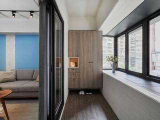 酒窩設計 Dimple Interior Design Minimalist corridor, hallway & stairs Wood-Plastic Composite Wood effect