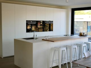 NewLook Brasschaat Keukens Built-in kitchens Wood White