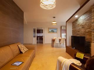 antonio felicetti architettura & interior design Ruang Keluarga Modern Marmer Brown
