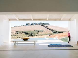Marcenaria Artística Pereira Rumah pedesaan Kayu White