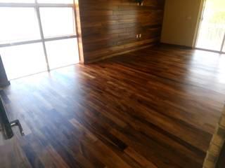 COROTU DISEÑO Y CONSTRUCCION SA DE CV Klasyczne domowe biuro i gabinet Lite drewno O efekcie drewna