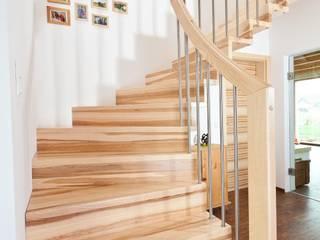 Stiegen und Treppen: Individuell - von modern bis traditionell von Steinkogler - Stiegen,Geländer,Vollholzhäuser Modern