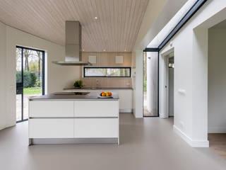 Cocinas de estilo moderno de Studio Groen+Schild Moderno