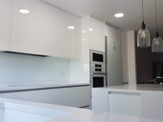 O. R. Group Built-in kitchens White