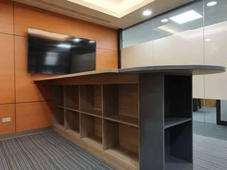 和德昌林森南三.五樓辦公室 根據 劉旋設計事務所/劉旋工程有限公司 簡約風