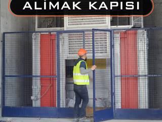 Industrial style garage/shed by Bayrakcı Metal İnşaat Industrial