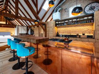 Smola Schreinerei GmbH & CO.KG Rustic style kitchen