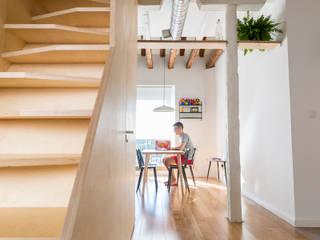 IMAGINEAN Столовая комната в стиле модерн Дерево Эффект древесины
