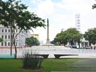 Plaza Mauá y frente marítimo de Rio de Janeiro Soler Valiente Arquitectes Jardines de estilo moderno